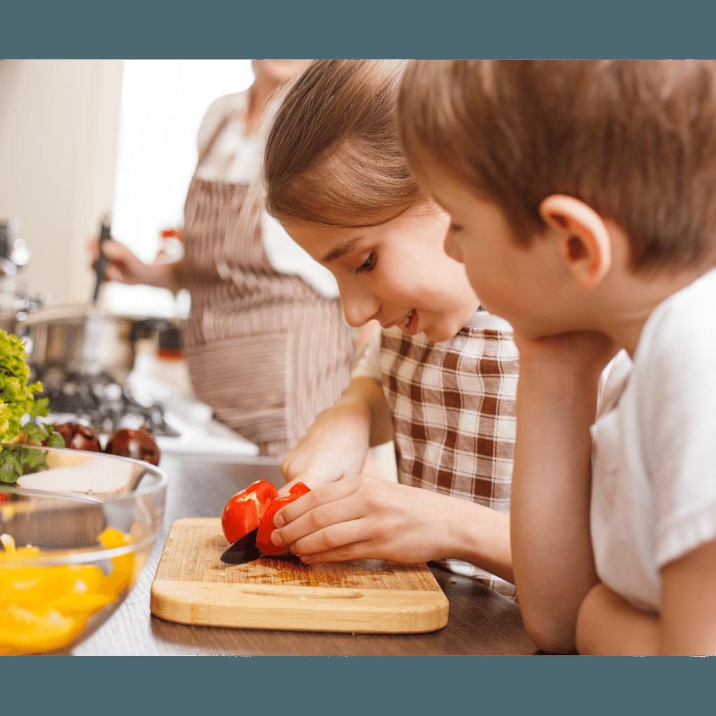 ילדים במטבח